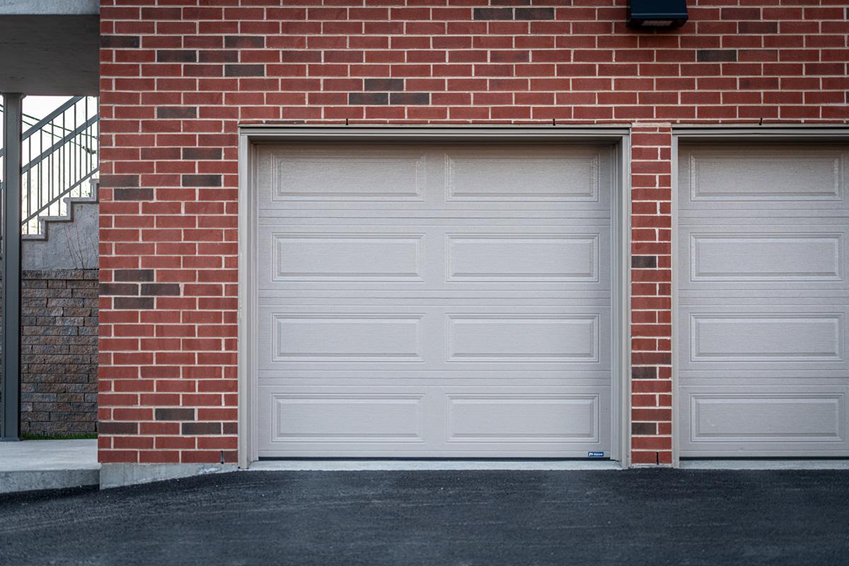 Portes et Fenêtres Vallée distributeur des portes de garage Garaga