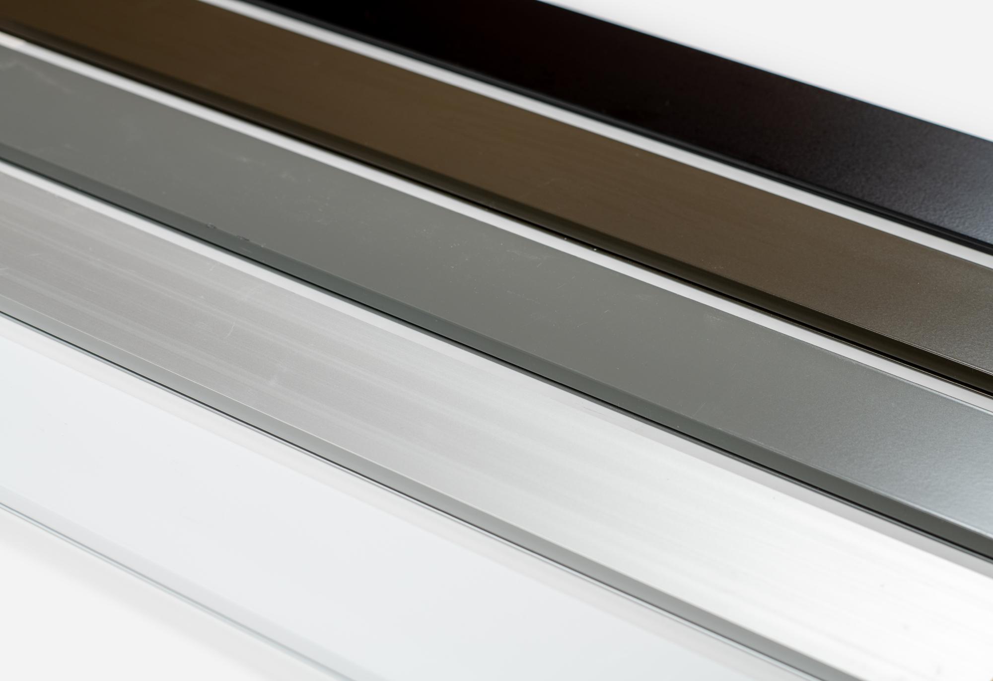 Choix de couleurs standards fenêtre hybride - Portes et Fenêtres Vallée